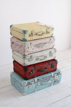 So cute & lovely suitcases after redesign. Vintage finds. Shabby Chic. Annie Sloan chalk paint. Made with love :-)