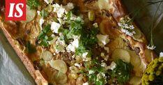 Peruna-kantarellipannari on uskomattoman herkullinen – ja 2 hyvää suolaista piirakkaa - Ajankohtaista - Ilta-Sanomat Cheesesteak, Feta, Tartan, Ethnic Recipes, Tarte Tatin, Plaid