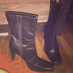 Steve Madden black leather boots - size 6B Beautiful black boots in good condition. Minor scuffing and wear on soles. Used flash to achieve the most accurate representation of these beauties! Steve Madden Shoes Heeled Boots