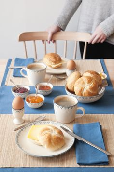 🌟Tante S!fr@ loves this📌🌟Dille&Kamille Good Morning Breakfast, Breakfast Tray, Perfect Breakfast, Breakfast Recipes, Breakfast Photo, Bakery Recipes, Recipes From Heaven, Aesthetic Food, Chocolates
