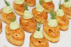 new ideas appetizers easy party snacks finger foods Finger Food Appetizers, Finger Foods, Appetizer Recipes, Party Appetizers, Food In French, Zucchini Puffer, Fingerfood Party, Quiches, Omelettes