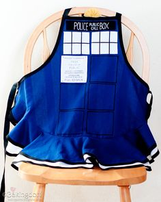 TARDIS apron!!  http://bakingdom.com/2011/04/doctor-who-tardis-apron-and-weeping-angels-cookies.html