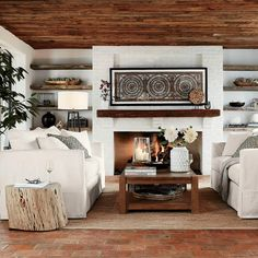 Mexican Interior Design, Spanish Interior, Japanese Interior, Modern Spanish Decor, Modern Southwest Decor, Spanish Home Decor, Casual Living Rooms, Mexican Living Rooms, Mexican Home Decor