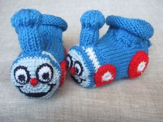 0-3 months hand knitted baby booties 'Thomas The Train'.  How to make these!