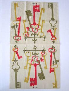 Vera Neumann Linen Tea towel with keys design