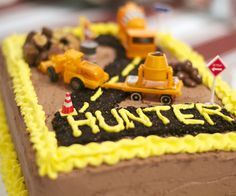 Construction Birthday cake aw it says Hunter :D