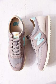 Trendy Women's Sneakers : Urban Outfitters - New Balance 620 Classics Running Sneaker - Fashion Inspire New Balance Sneaker Damen, New Balance Sneakers, New Balance Shoes, Sneakers Mode, Running Sneakers, Running Shoes, Shoes Sneakers, Sneaker Outfits, Cute Shoes
