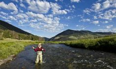 Fly Fishing the Upper Gallatin River - Big Sky, Montana : http://www.bigskymontananet.com/lakes_rivers_falls/gallatin_river.php