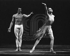 УМНОВ Евгений: Артисты балета Майя Плисецкая в спектакле французского хореографа Ролана Пети