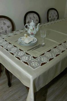 Tan Table Runner Table Decor With Lace Natural Linen Runner Living Table Linens In most homes, besides having the meals, dining is also a time when the entire Crochet Tablecloth, Crochet Doilies, Crochet Lace, Free Crochet, Dining Table Cloth, Table Linens, Fillet Crochet, Lace Table, Crochet Borders