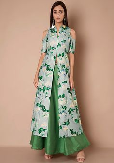 High Slit Tunics - Buy Indo Western High Slit Kurtas Online for Women in India - Indya Indian Fashion Trends, Indian Fashion Dresses, Indian Outfits, Long Dress Design, Kurta Designs Women, Kurti Designs Party Wear, Dress Indian Style, Floral Fashion, Classy Outfits