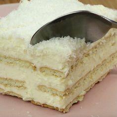 Domowe ciasto Rafaello bez pieczenia My Favorite Food, Favorite Recipes, My Favorite Things, Sweet Cakes, Vanilla Cake, Ale, Cheesecake, Appetizers, Drinks