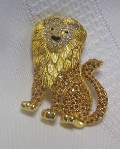 Alpha Delta Pi or Phi Mu - Vintage Lion Brooch... King of the Rhinestone Brooches