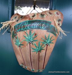 """Our new """"Welcome"""" sign - from Palm Frond Art / Sonia Larson… Diy Crafts For Home Decor, Beach Crafts, Cute Crafts, Crafts To Make, Crafts For Kids, Arts And Crafts, Palm Frond Art, Palm Tree Art, Palm Fronds"""