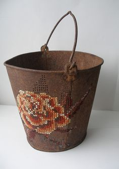 Junk into Art: CROSS STITCH ON RECYCLED METAL OBJECTS. Severija Inčirauskaitė-Kriaunevičienė uses embroidery thread to stitch onto stiff metal objects. She applies them to car doors, shovels, ashtrays, and more. Embroidery Art, Cross Stitch Embroidery, Embroidery Patterns, Cross Stitch Patterns, Diy Broderie, Textile Artists, Cross Stitching, Fiber Art, Creations
