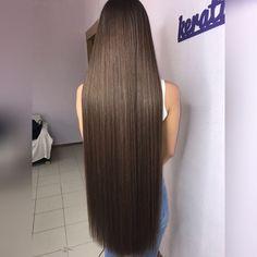 """Как и обещала с Вас лайки❤️  Девочки,эти средства я для себя,для своих волос подбирала,они могут Вам и не подойти☹️ ну ладно,начну) я недавно делала Ботокс волос и напишу чем пользовалась до этой процедуры и после какими:) на фото волосы после ботокса ✅1 фотка с средствами до Ботокса - шампунь L'Oréal. Мне очень понравился,до этого такой же был,но """"реанимация волос"""",что то такое написано было-это вообще  - Спрей кондиционер. Тоже понравился,после него волосы прямее становятся  - Спрей дл..."""