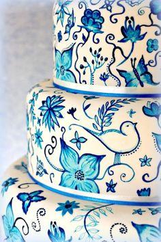 www.customweddingprintables.com #customweddingprintables...Hand painted Delft Pottery inspired cake