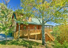 Mountain Crest 333 -This luxury three bedroom, three and a half bath cabin has all new furnishings and is located in Pigeon Forge's beautiful Wears Valley area.