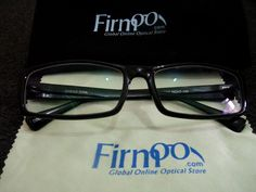 Freelancers, bloggers and those who work at home, sometimes get too busy, that we neglect to do some simple things to keep our eyesight healthy. Firmoo glasses may help protect our eyesight in our daily activities..    http://tristankhalil.com/2012/07/glasses-for-freelancers-from-firmoo/