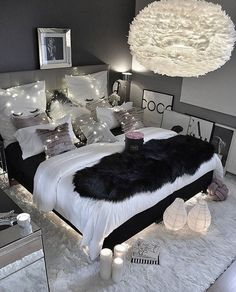 """8 Teen Bedroom Theme Ideas That's So Great! - Hoomble,Teens have unique ideas of what they consider as """"cool bedrooms."""" Teen bedroom themes reflect things such as their personalities, aspirations, and ide. Gray Bedroom, Bedroom Inspo, Modern Bedroom, Bedroom Inspiration, Black Bedroom Decor, Bedroom Rustic, Decor Room, Master Bedrooms, Sophisticated Teen Bedroom"""