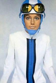 Vintage Fashion - Pierre Cardin space fashion - And, the rage of white / neutral lipstick… Space Fashion, Ski Fashion, Fashion Design, Sporty Fashion, Fashion Black, Fashion Women, Winter Fashion, Ski Vintage, Moda Vintage