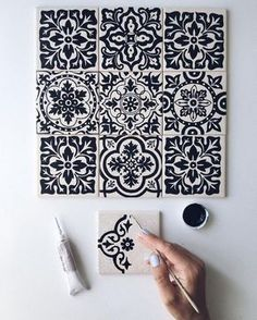 Likes, 36 Comments – ⠀ … – Mosaic Pottery Painting, Dot Painting, Ceramic Painting, Tile Art, Mosaic Art, Tiles, Ideas Cabaña, Motifs Blackwork, Diy And Crafts
