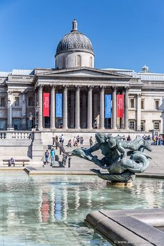 The National Gallery in London, England is one of the best museums in London. London Attractions, London Landmarks, London Museums, London Places, Museum Of London, Days Out In London, Things To Do In London, London Tours, London Travel