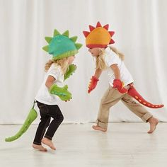 Looking for Halloween costume ideas your baby or toddler? Check out these adorable baby Halloween costumes. Halloween Bebes, Baby Halloween Costumes, Christmas Costumes, Halloween Dress, Baby Costumes, Dress Up Outfits, Dress Up Costumes, Dino Costume, Diy Dinosaur Costume