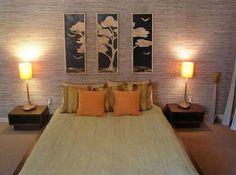 foto lukisan pada kamar tidur utama minimalis