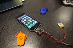 ProtoElec 1 - iphone pluged with 3D print shells