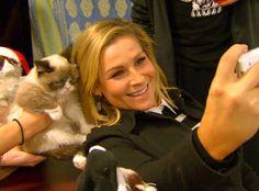 WWE Diva Nattie and Husband TJ Meet Internet Superstar Grumpy Cat—See the Adorable Total Divas Clip!  Nattie, Grumpy Cat, Total divas