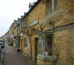 Village street, Moreton-in-Marsh