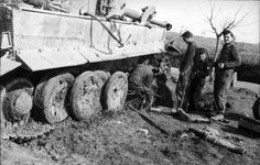 Italia, Panzer VI (Tiger I) en reparaciones