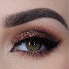 Love this eye makeup by @miaumauve #Padgram