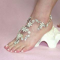 Great beach wedding idea!