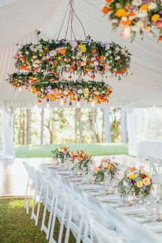 DIY Wedding Centerpieces: Tips and How-To - Put the Ring on It Hanging Flowers Wedding, Hanging Wedding Decorations, Wedding Flower Arrangements, Flower Decorations, Wedding Centerpieces, Floral Arrangements, Wedding Flower Guide, Diy Wedding, Dream Wedding