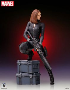 Captain America The Winter Soldier Black Widow scale Gentle Giant statue Marvel Comic Universe, Marvel Vs, Marvel Heroes, Predator Action Figures, Black Widow Marvel, 3d Figures, Bd Comics, Figure Model, Marvel Characters