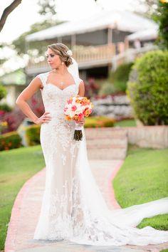 Maite looking stunning at Castillo Serrallés, Ponce with her David Tutera bridal dress.