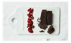 Chocolate-Covered Goji Berries (vegan) from Superfoods list on Goop Goji Berry Recipes, Superfood Recipes, Gluten Free Desserts, Dessert Recipes, Snack Recipes, Loving Your Body, Chocolate Covered, Chocolate Recipes, Healthy Snacks