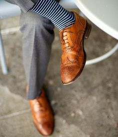 This is a guide to dressing your feet - 8 footwear style must-haves. Think of these shoes as the foundation of your below-the-knee style throughout the year, no matter the occasion.