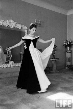 Vintage Fashion Valentina Sanina Schlee