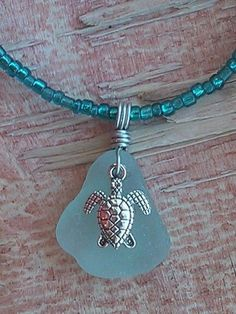 "Sea Turtle Sea Glass Schmuck Halskette Artisan 20 ""/ Beaded Hand Crafted Beac … - Diy Jewelry Making Seashell Jewelry, Sea Glass Jewelry, Wire Jewelry, Jewelry Crafts, Beaded Jewelry, Beaded Necklace, Hand Jewelry, Jewelry Necklaces, Jewelry Watches"