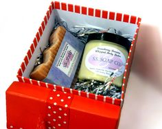 Strawberry Banana Gift Box Set - Soap and Whipped Body Butter Lotion