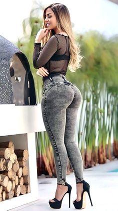 Superenge Jeans, Sexy Jeans, Curvy Women Fashion, Girl Fashion, Womens Fashion, Belle Nana, Looks Hip Hop, Looks Pinterest, Pernas Sexy