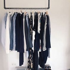 Thanks for sharing your #rackbuddy @_ragniii  ⭐️ #myrackbuddy #sharingpics #interior #danishdesign #industrial #customerfeedback #weekend_inspo #home #furniture #sunday #tøjstativ #vandrør #kleiderstange #womenswear #diy #stylish #simplicity