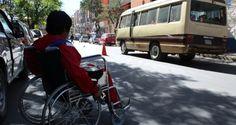 En Bolivia alistan medidas para transporte adecuado de personas con discapacidad