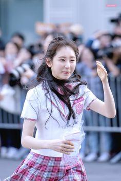 Yu Jin, Kim Min, The Wiz, Kpop Girls, Harajuku, Dancer, Flower Girl Dresses, Female, My Love