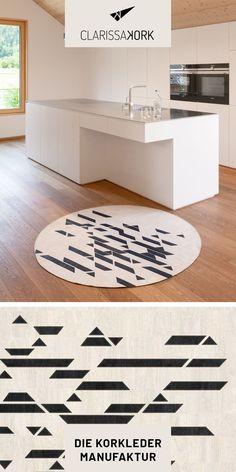 Der CLARISSAKORK Teppich ist eine Bereicherung für jeden Raum und überzeugt neben seiner edlen Optik mit vielen funktionalen Eigenschaften #pflegeleicht #hygienisch #robust #reißfest #geschmeidig #schadstofffrei #nachhaltig #teppichdesign #rugdesign #carpetdesign #wohnzimmerteppich #esszimmerteppich #origami #muster #naturmaterial #maßanfertigung #teppich #handgefertigt #vegan #designteppich #wohnzimmer #bad #wc #esszimmer #küche #ecohome #vegan #interior #modernliving #korkprodukte #kork…