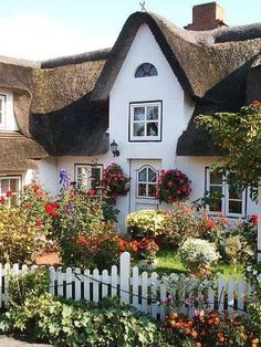 I have chosen this enchanted cottage for you, sweet Mary! Isn't it magical! Hope you spend many happy hours here! Hugs, Maureen 1/22/17