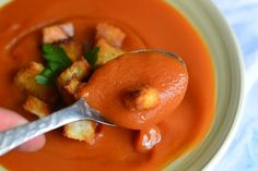 Supa crema de legume - CAIETUL CU RETETE Thai Red Curry, Drink, Ethnic Recipes, Projects, Food, Log Projects, Beverage, Blue Prints, Eten